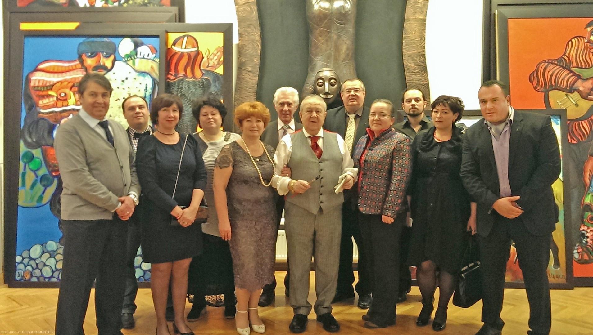 Зураб Церетели и OKUMA Москва, OKUMA Украина, OKUMA Германия. Новый 2013 год.